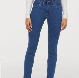 H&M Skinny Ankle Med Wash denim Jeans 32